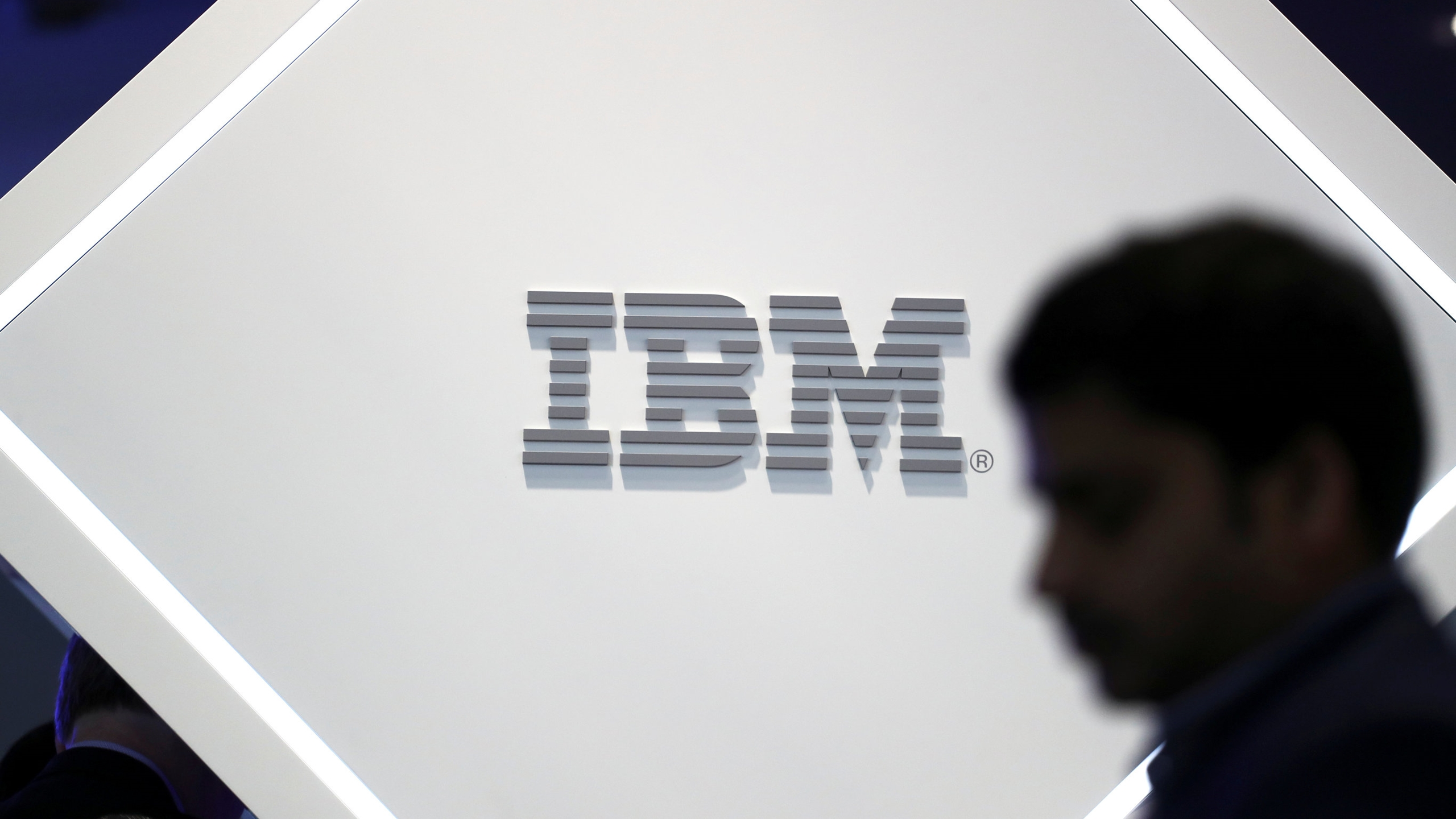 IBM logra el aval europeo para adquirir Red Hat por 34,000 mdd
