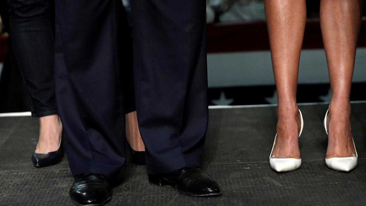 Mujeres reclaman por el uso 'obligatorio' de tacones en el ámbito laboral