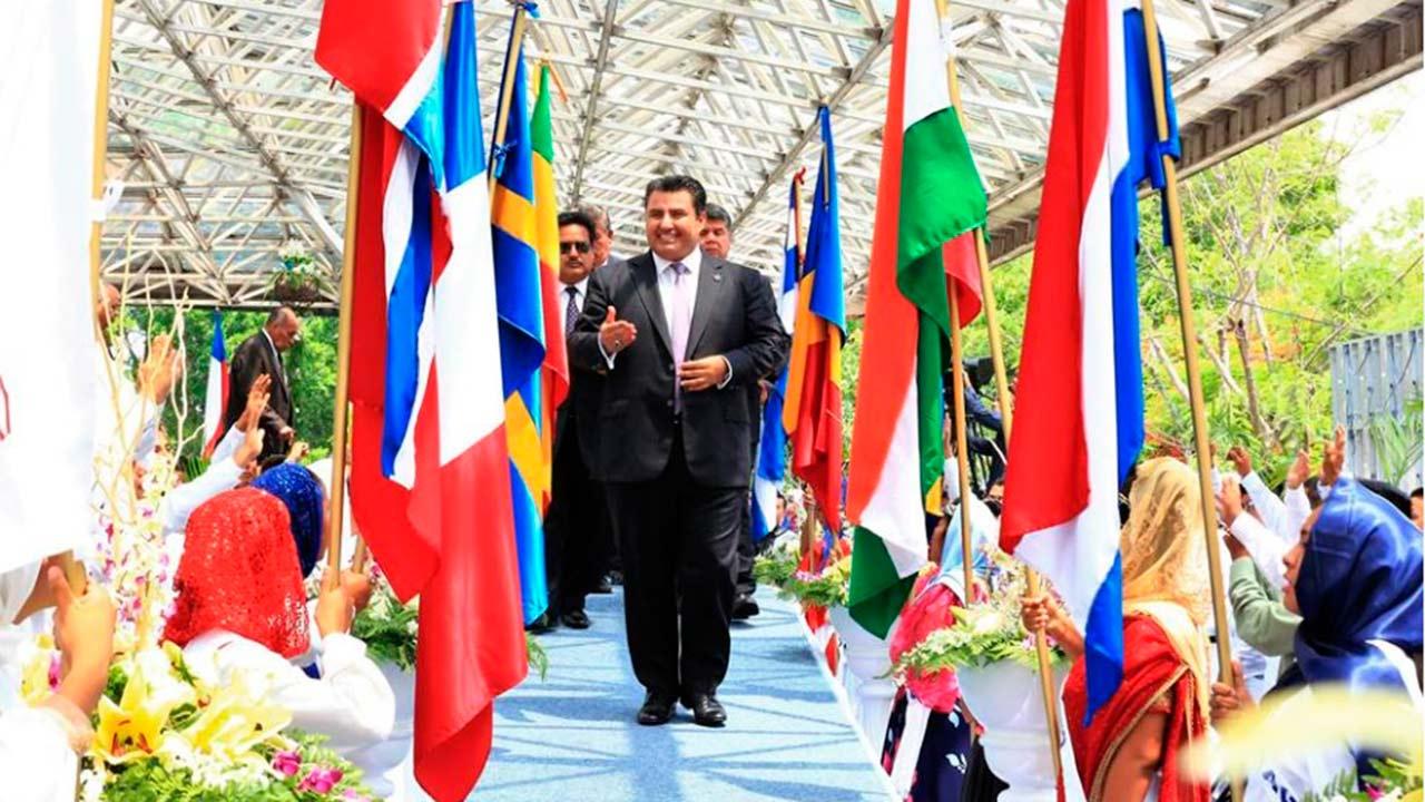 Gobierno de Jalisco sí prestará escuelas a La Luz del Mundo