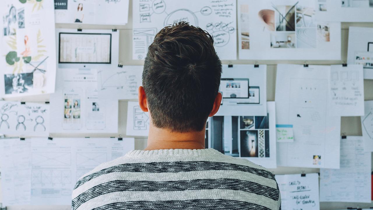 La importancia de darte una pausa para meditar en el trabajo