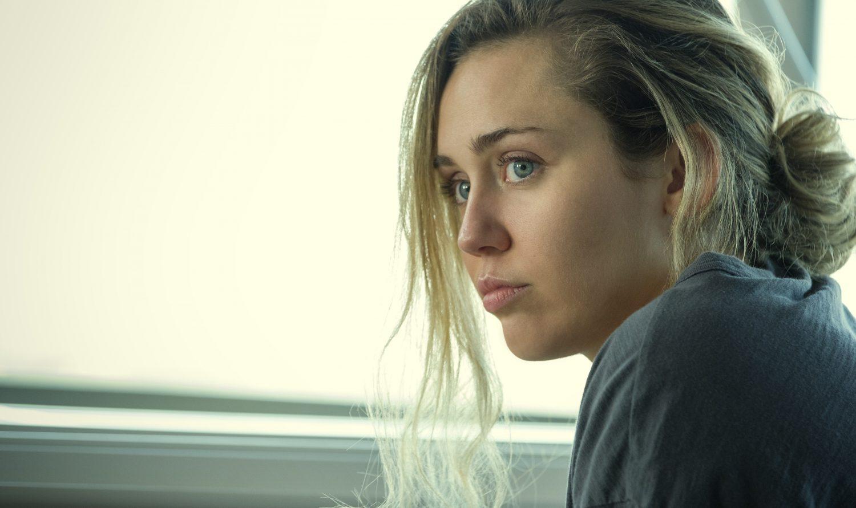 Miley Cyrus protagoniza el peor episodio de 'Black Mirror': Rotten Tomatoes