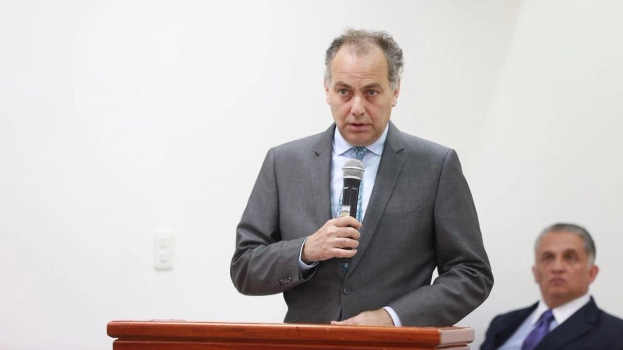 Con crítica a la austeridad, Rochín deja la Comisión de Atención a Víctimas