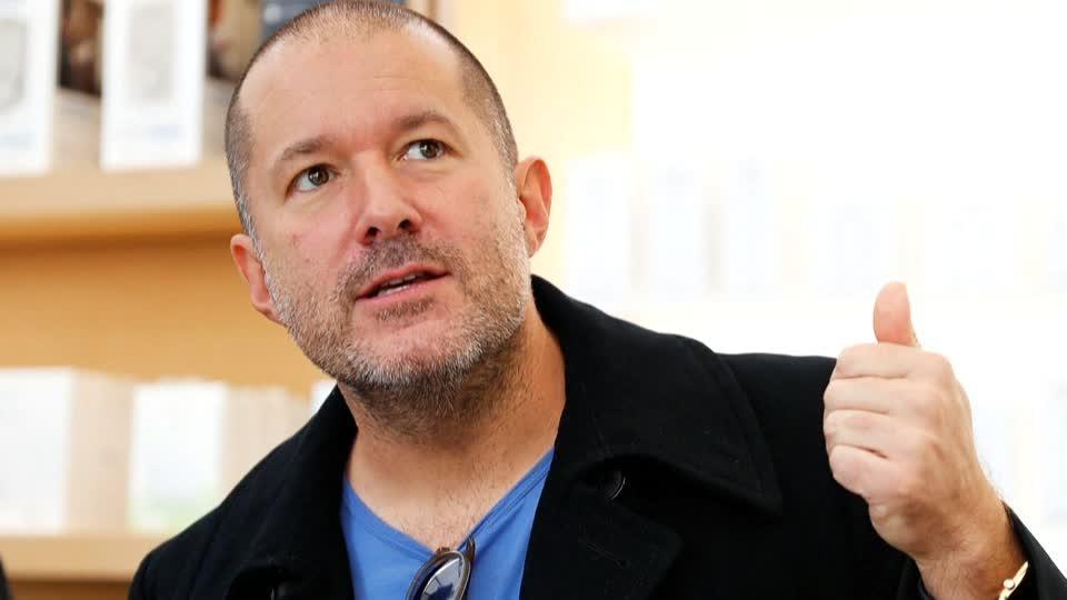 Apple pierde 10,000 mdd tras renuncia de diseñador estrella del iPhone