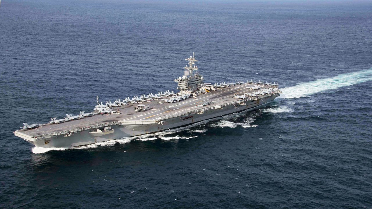 "El USS Abraham Lincoln: ""gunboat diplomacy"""