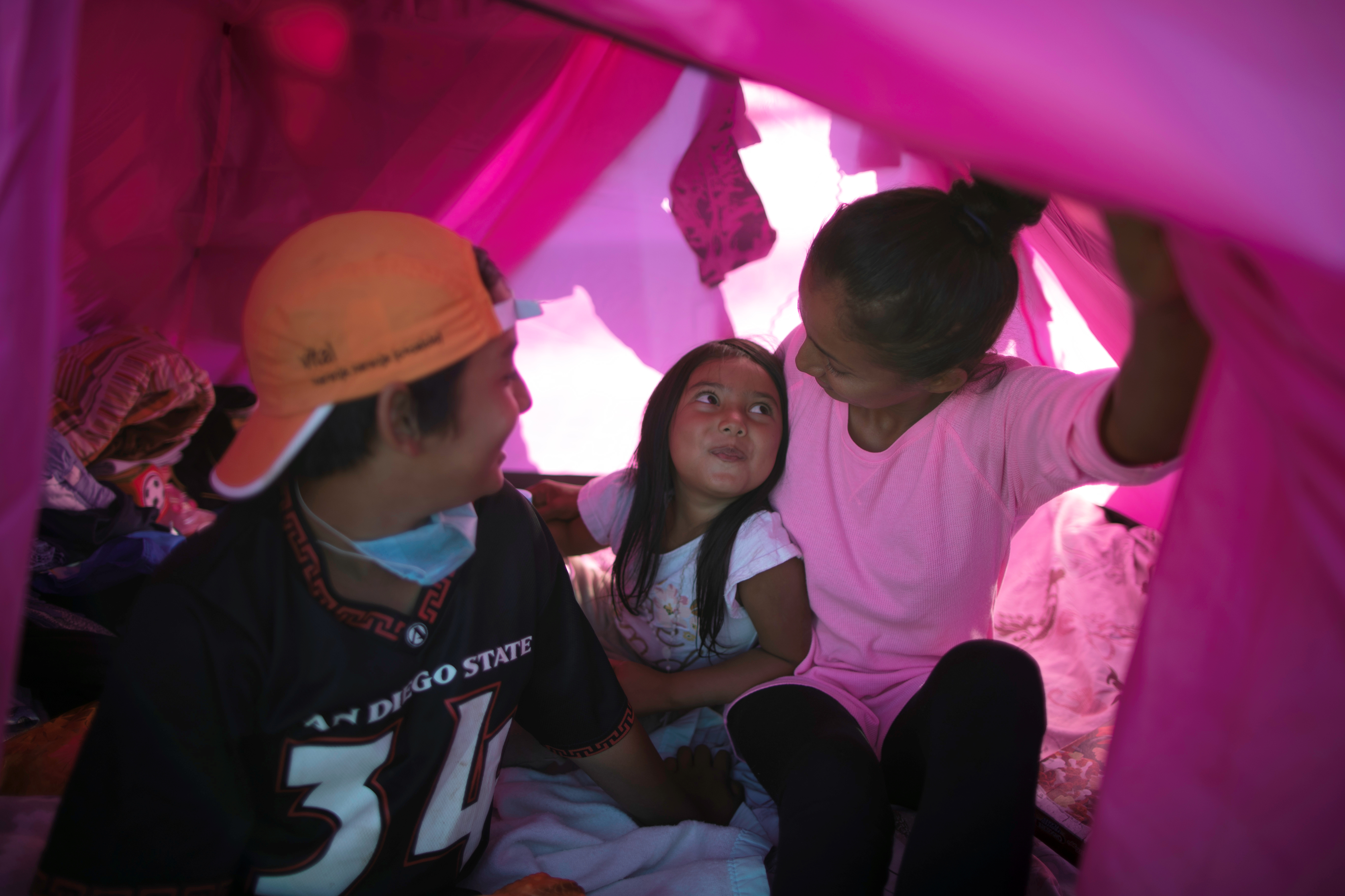 Detención de niños en estaciones migrantes es ilegal pero ocurre: Unicef