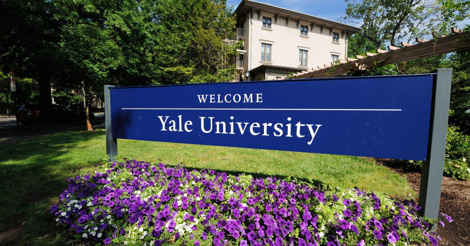 La clase más popular de Yale es gratis, en línea y nos enseña a cómo ser felices