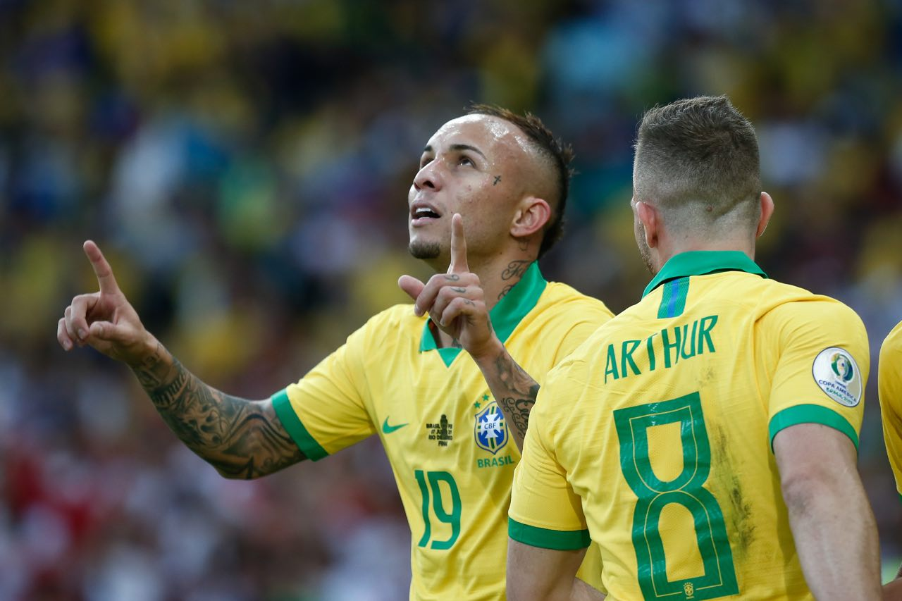 Brasil se lleva la Copa América al derrotar a Perú
