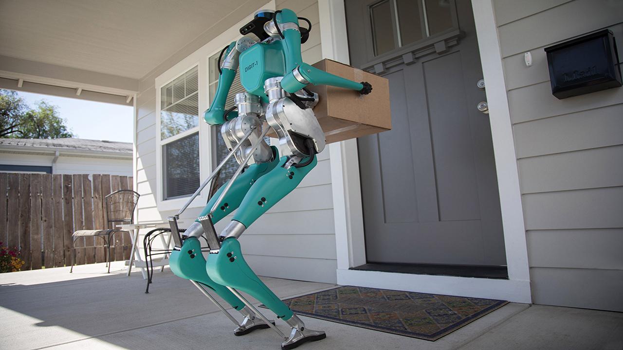 Tu próximo pedido podría ser entregado por un robot en la puerta de tu casa