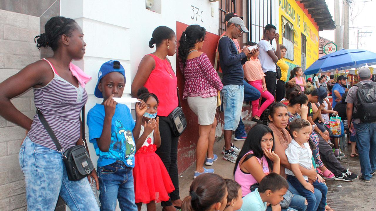 EU estima que hasta 184,000 niños migrantes podrían llegar este año