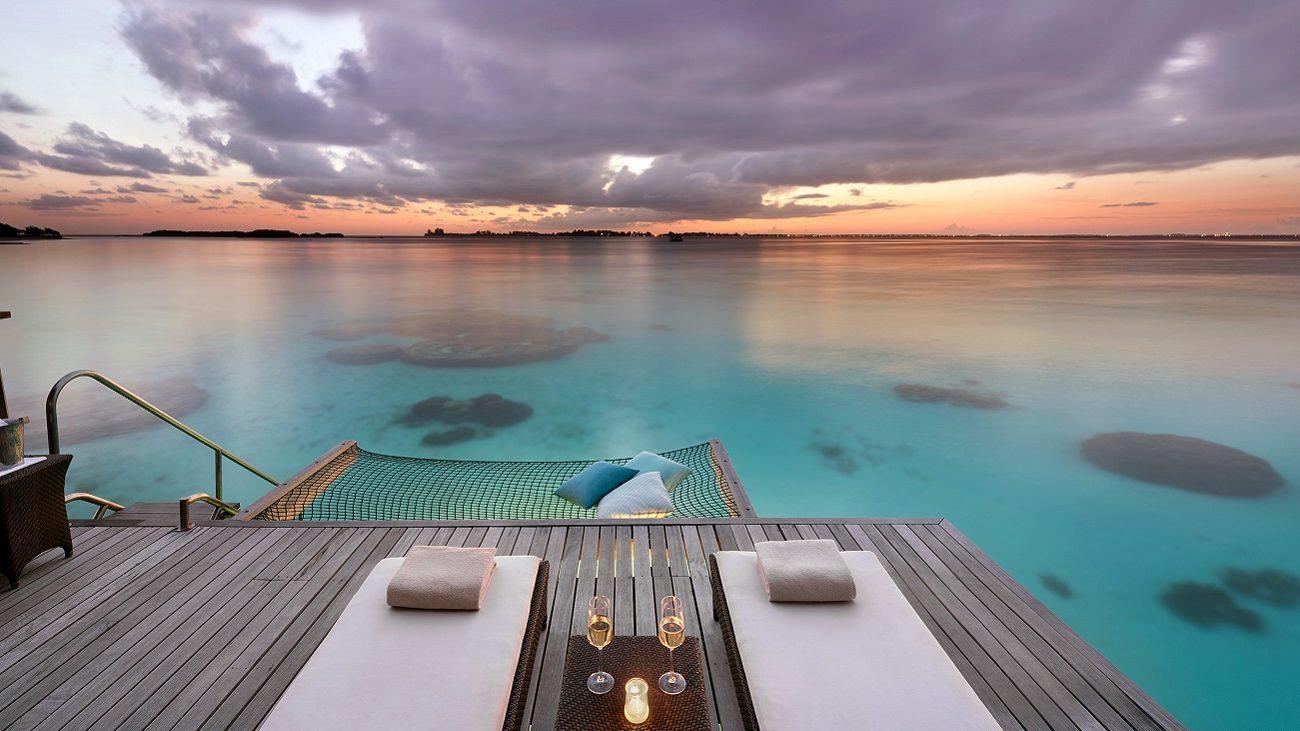 Hospédate en una villa sobre el mar de Maldivas, te decimos cómo