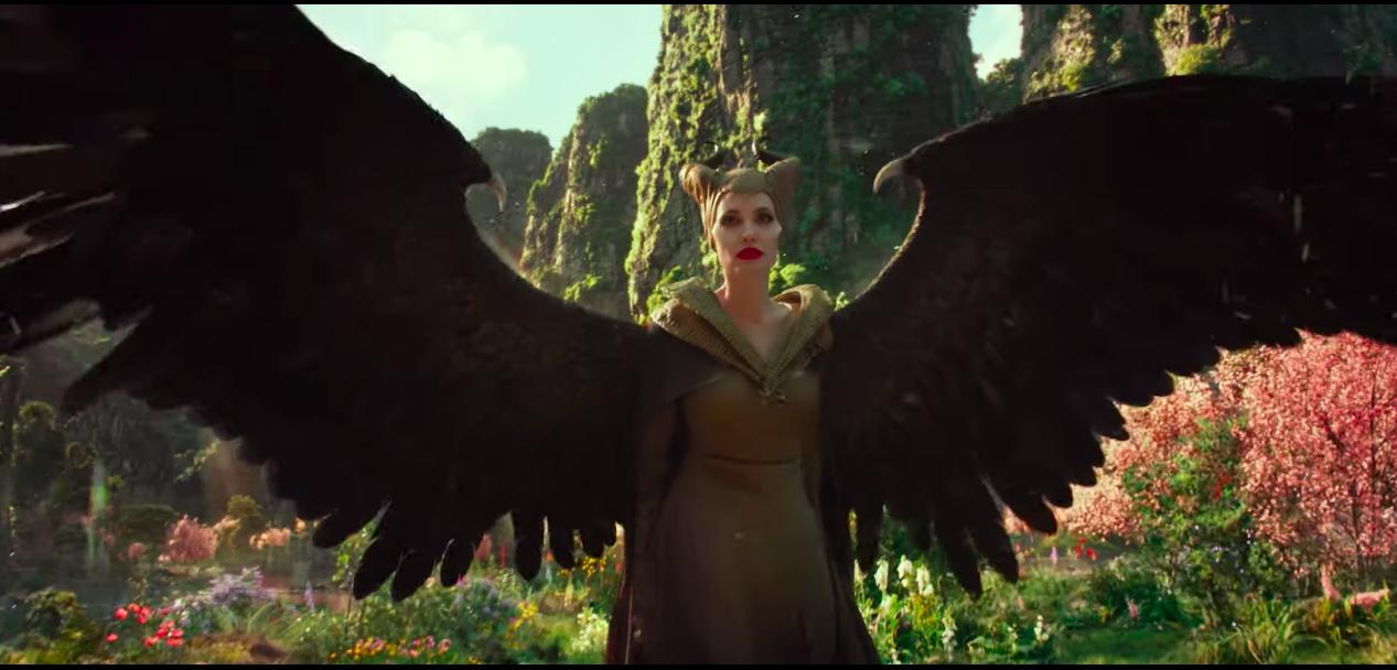 Angelina Jolie desborda maldad en el trailer de 'Maléfica: Dueña del mal'