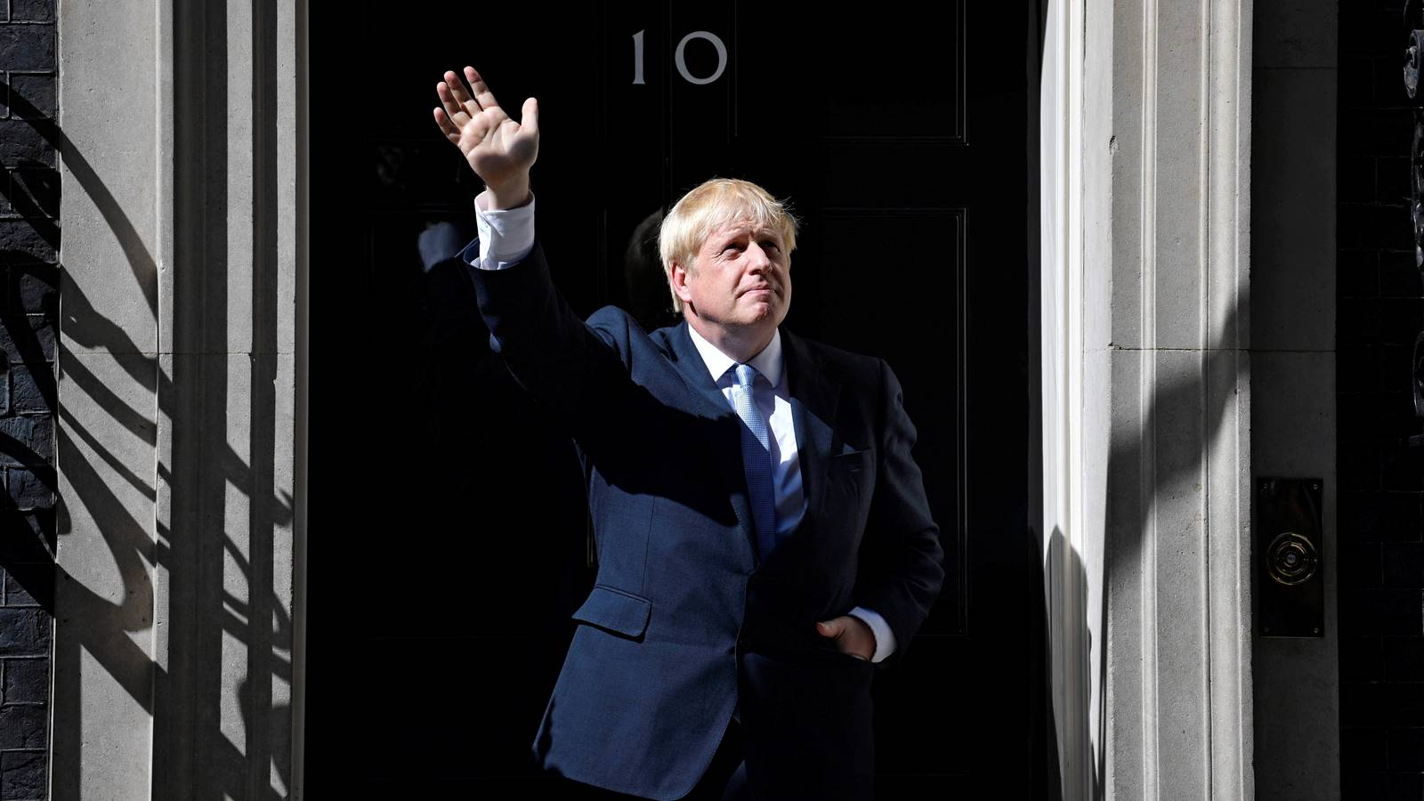 Boris Johnson, 'imperturbable' ante intento del Parlamento de bloquear un Brexit duro