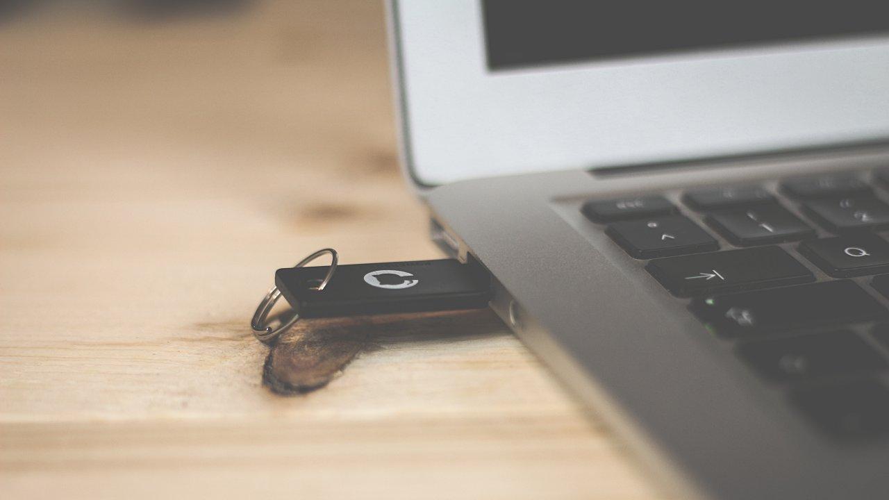 Memorias USB, el punto débil de los mexicanos ante ciberataques