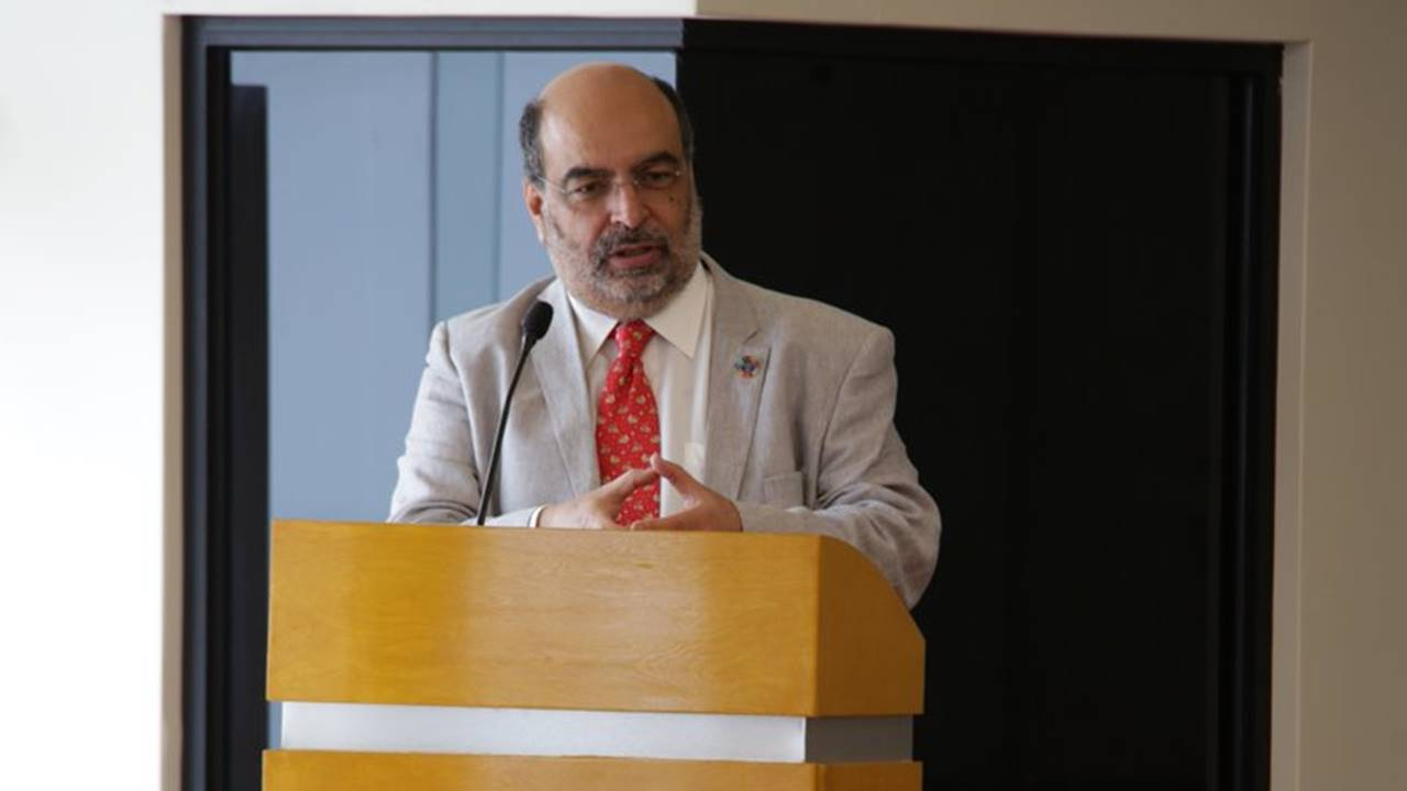 Fallece titular del Consejo Nacional de Población, Carlos Echarri