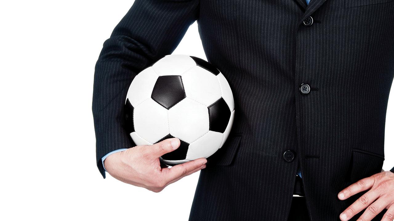 El futbol es cosa de empresarios, (ya) no de románticos