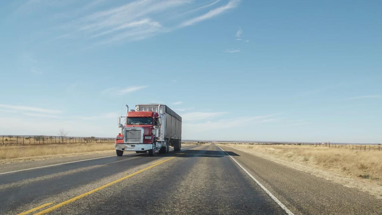 Nueva norma de Semarnat incrementa la venta de vehículos pesados