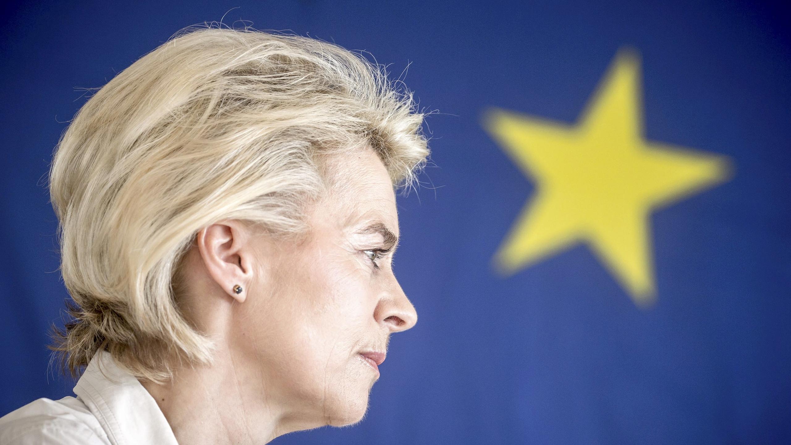 Unión Europea elige a la primera mujer presidenta de su órgano ejecutivo