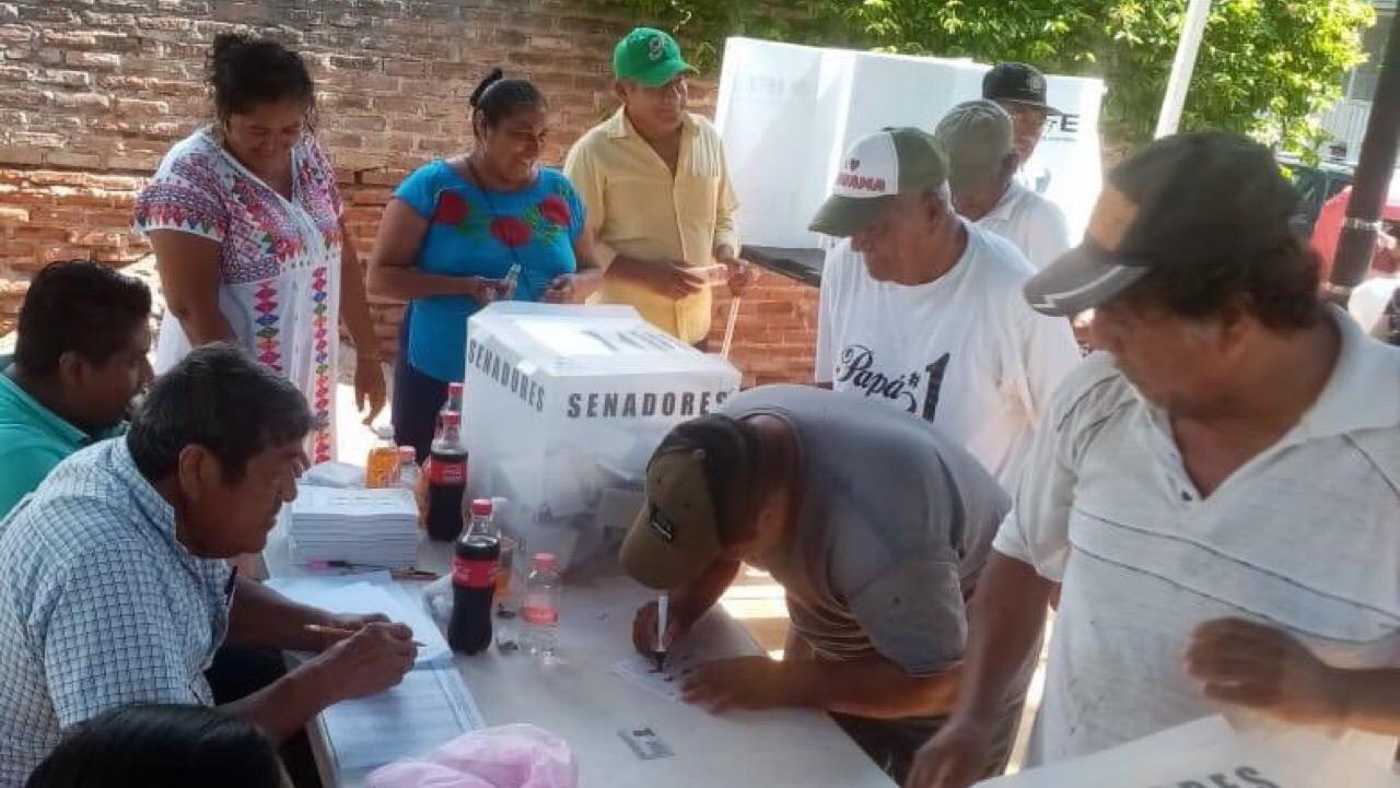 Entre acusaciones de acarreo y compra de votos, PRI elige a su dirigencia