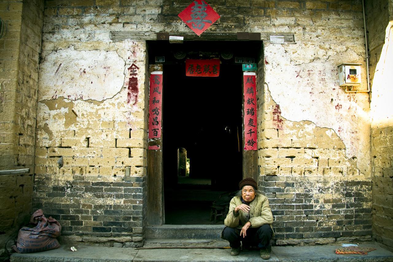 Economía china se deteriora, industria se desacelera a mínimos de 17 años