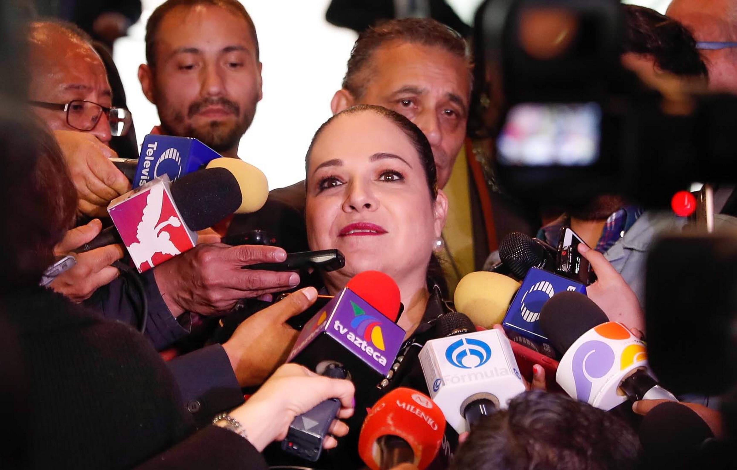 Senadores eligen a Mónica Fernández como presidenta de Mesa Directiva