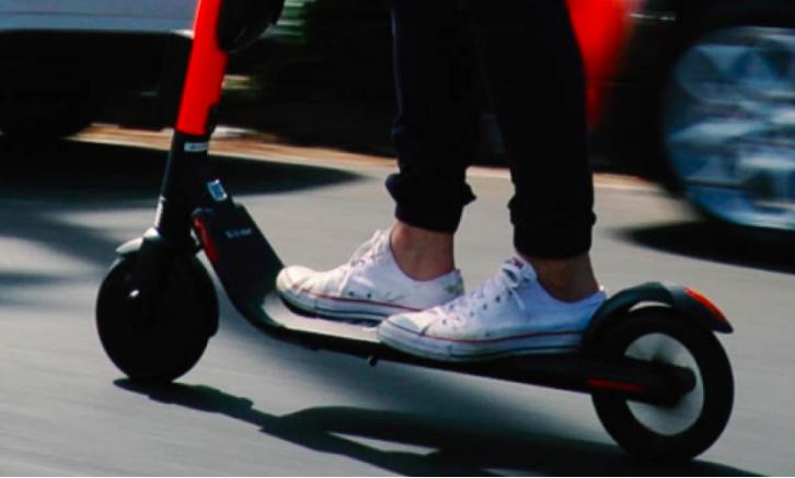 No quitamos el dedo del renglón de traer scooters a México: Uber