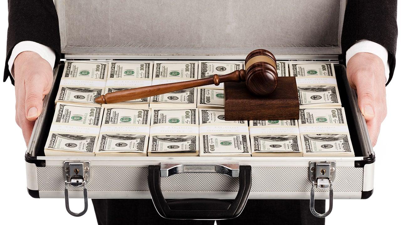 Historias de injusticia: El reto de acabar con el influyentismo