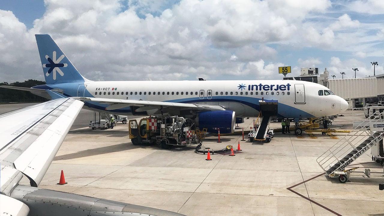 Interjet investiga incidente entre empleado y pasajero