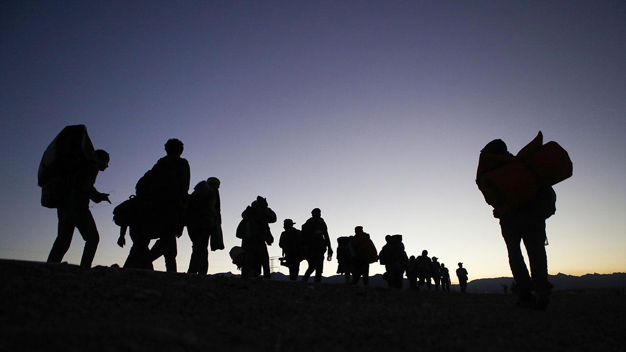 Suspenden en EU plan de Trump para acelerar deportaciones