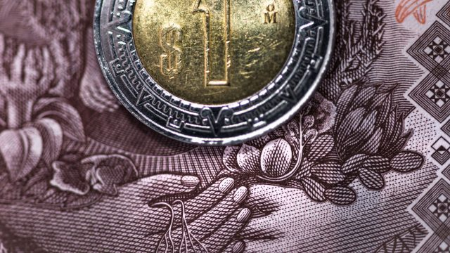 Peso mexicano opera errático pandemia covid-19 coronavirus