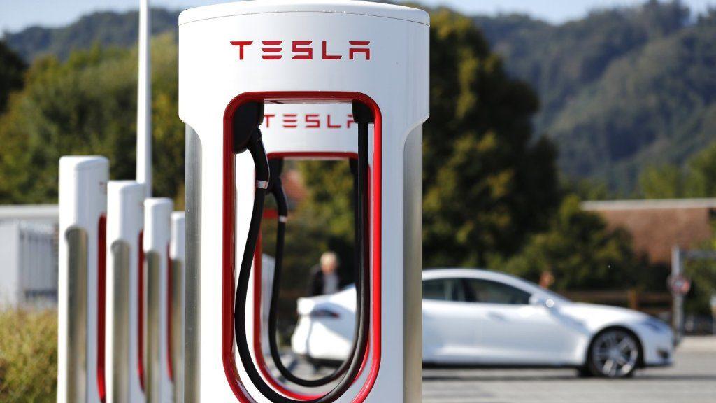 Dueños de autos eléctricos en Texas deberán pagar impuesto si se aprueba ley