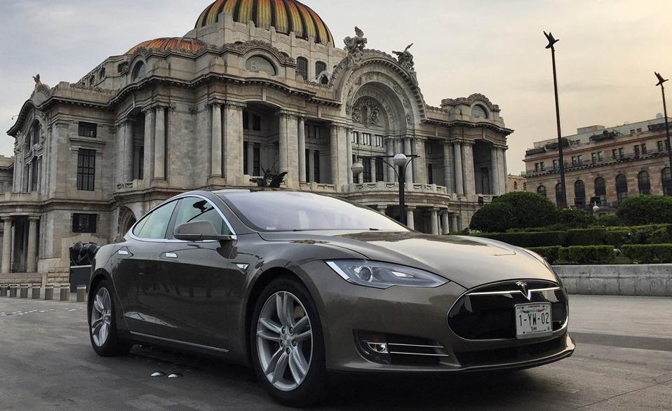 ¿Qué tan difícil es tener un Tesla en México?