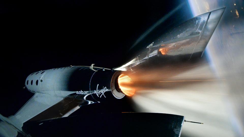 Virgin Galactic presenta su puerto espacial y alista su primer vuelo