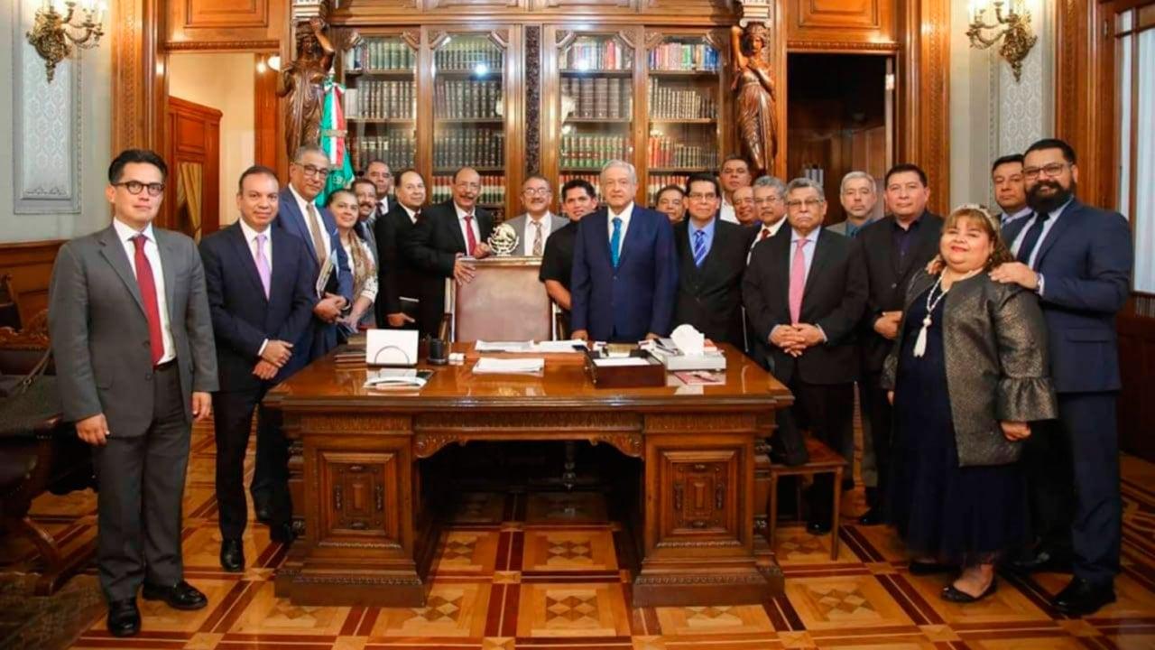 Líderes evangélicos cobran como servidores en el gobierno de AMLO