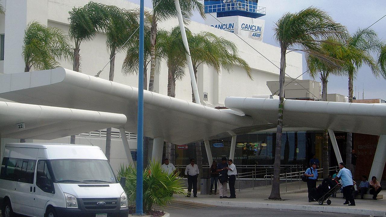Autoridad antimonopolios sanciona a Aeropuerto de Cancún