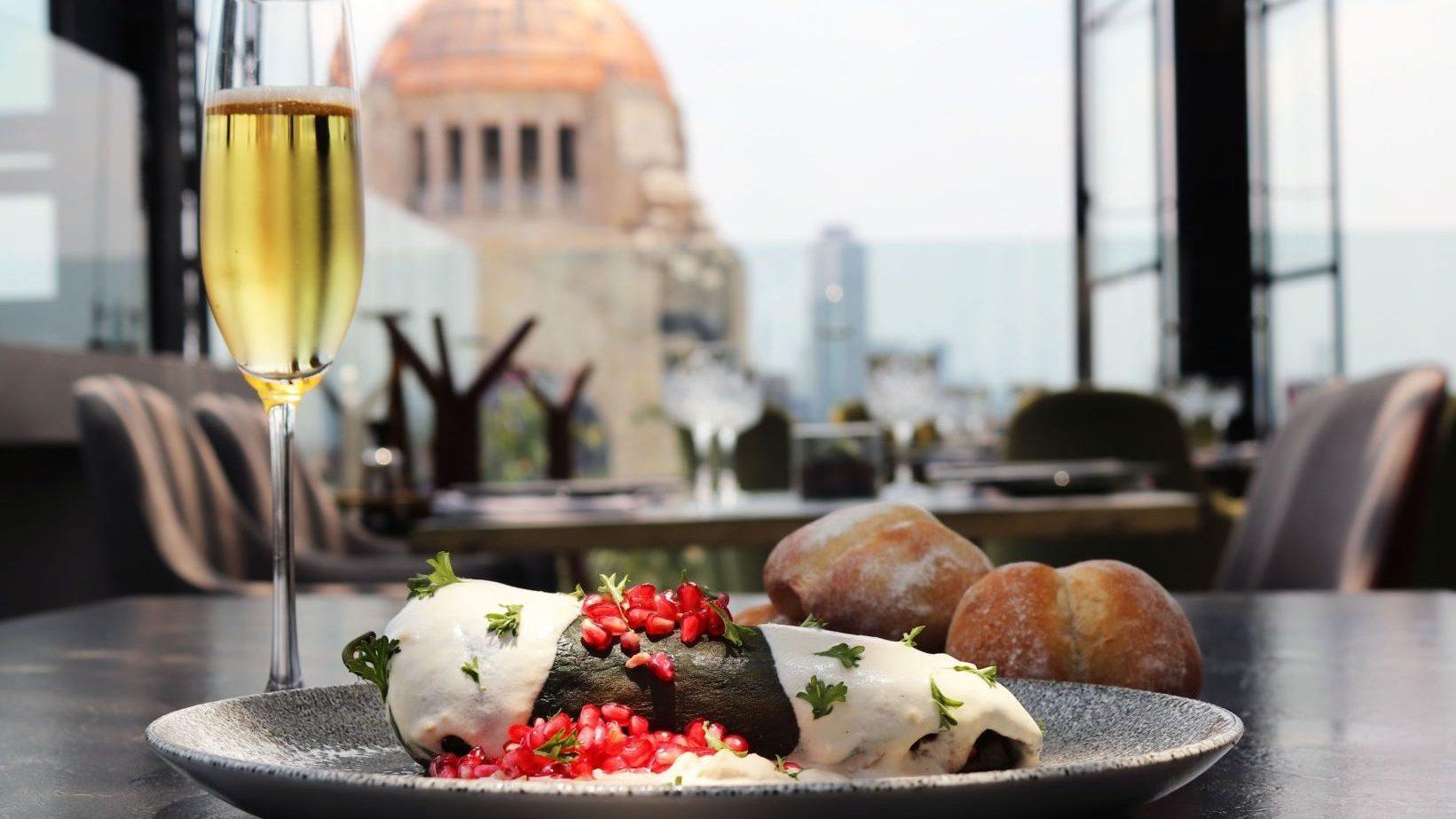 Los chiles en nogada con las mejores vistas de la Ciudad de México