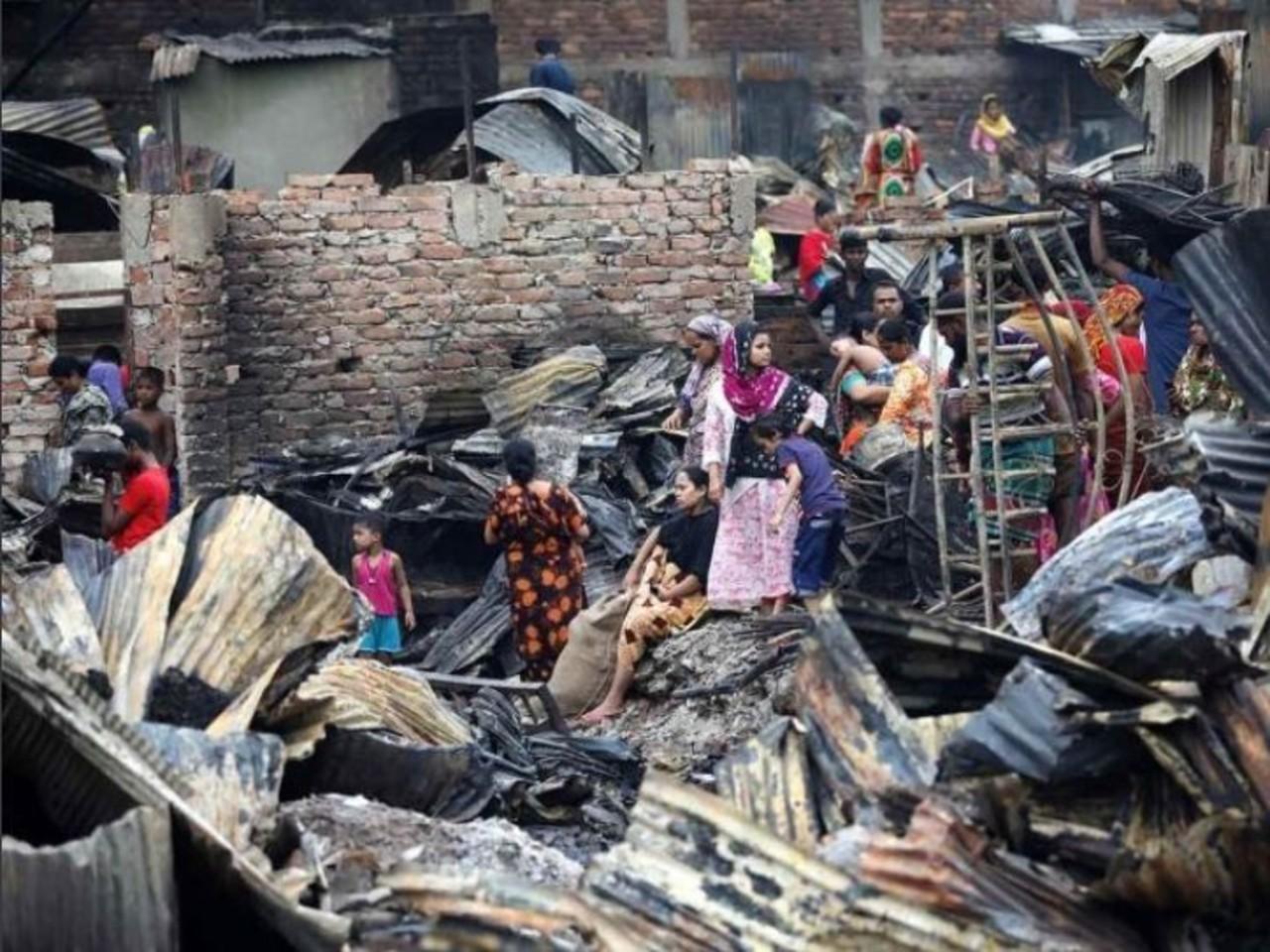 Incendio en Bangladesh deja sin hogar a 50,000 personas