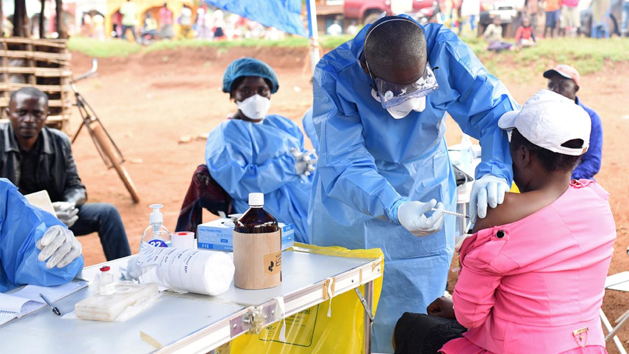Médicos de la OMS y el Congo se acercan a la cura del Ébola