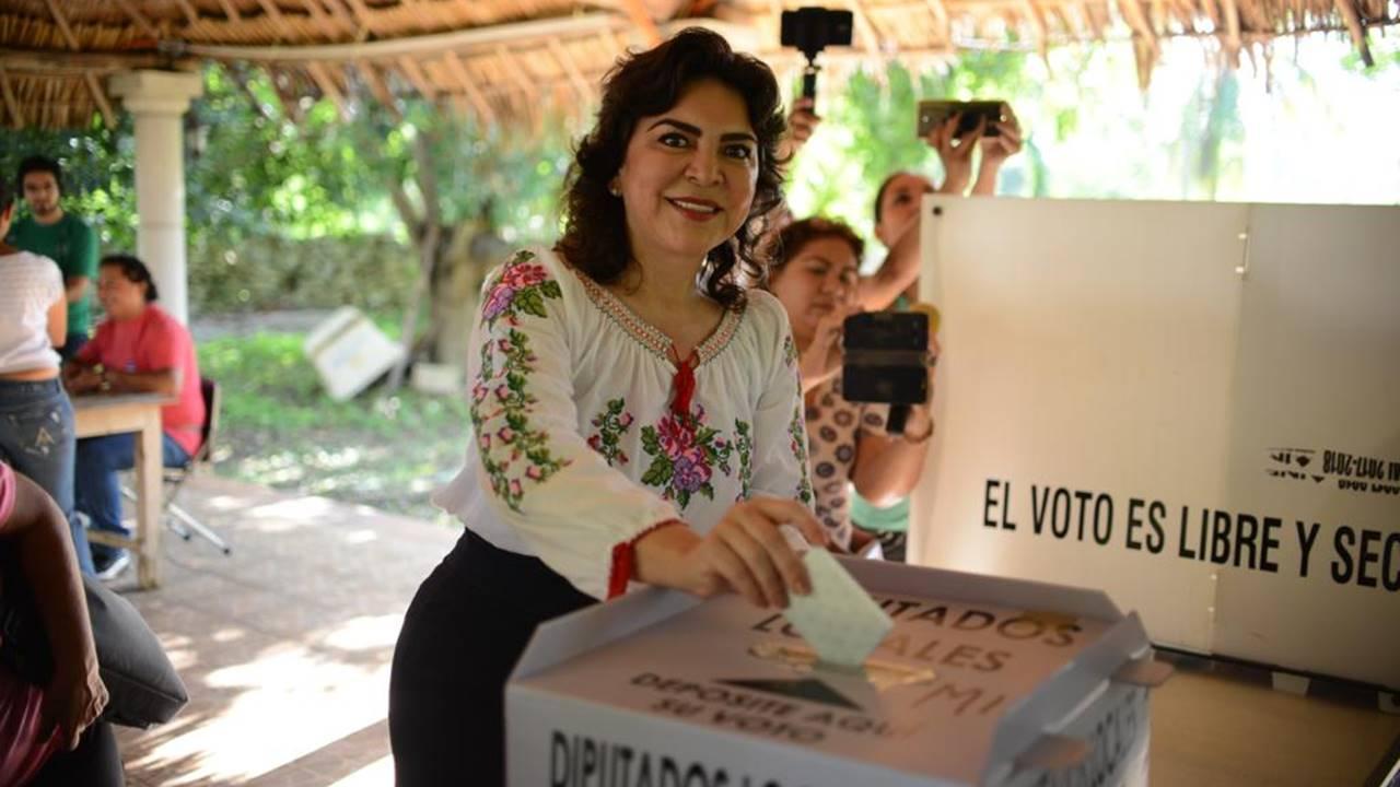Ivonne Ortega renuncia al PRI; advierte extinción del partido por 'viejas mañas'