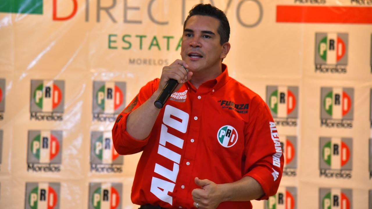 Alejandro Moreno asume presidencia del PRI; pide confianza