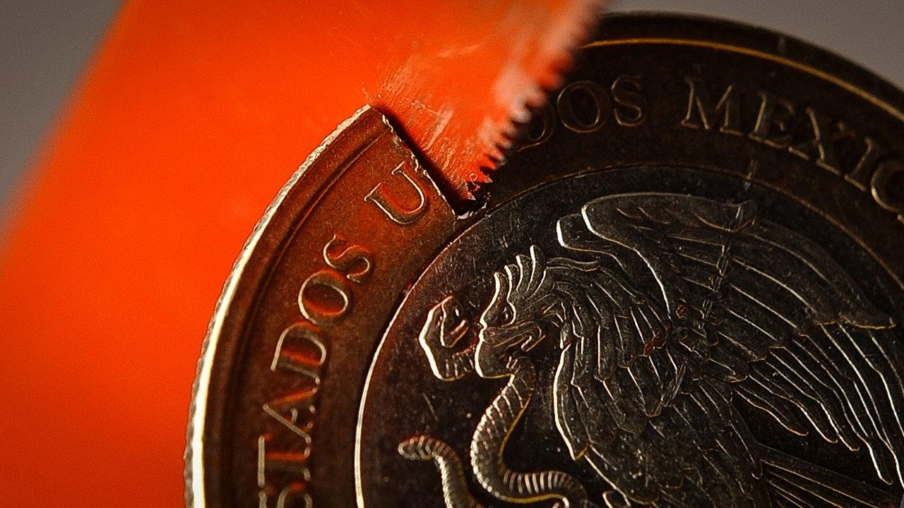 Caída de 5% y petróleo 7.9 dólares por barril, ¿el futuro de la economía en México?