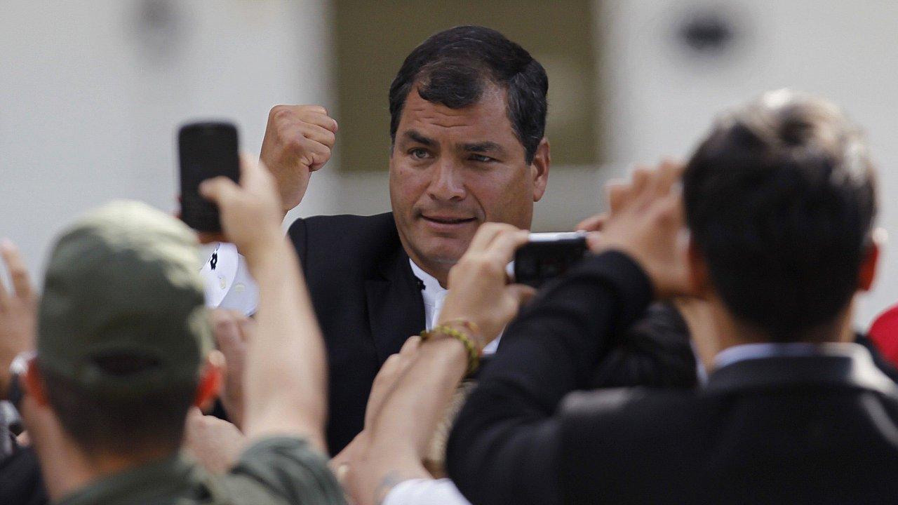 Ordenan prisión preventiva contra expresidente ecuatoriano Rafel Correa