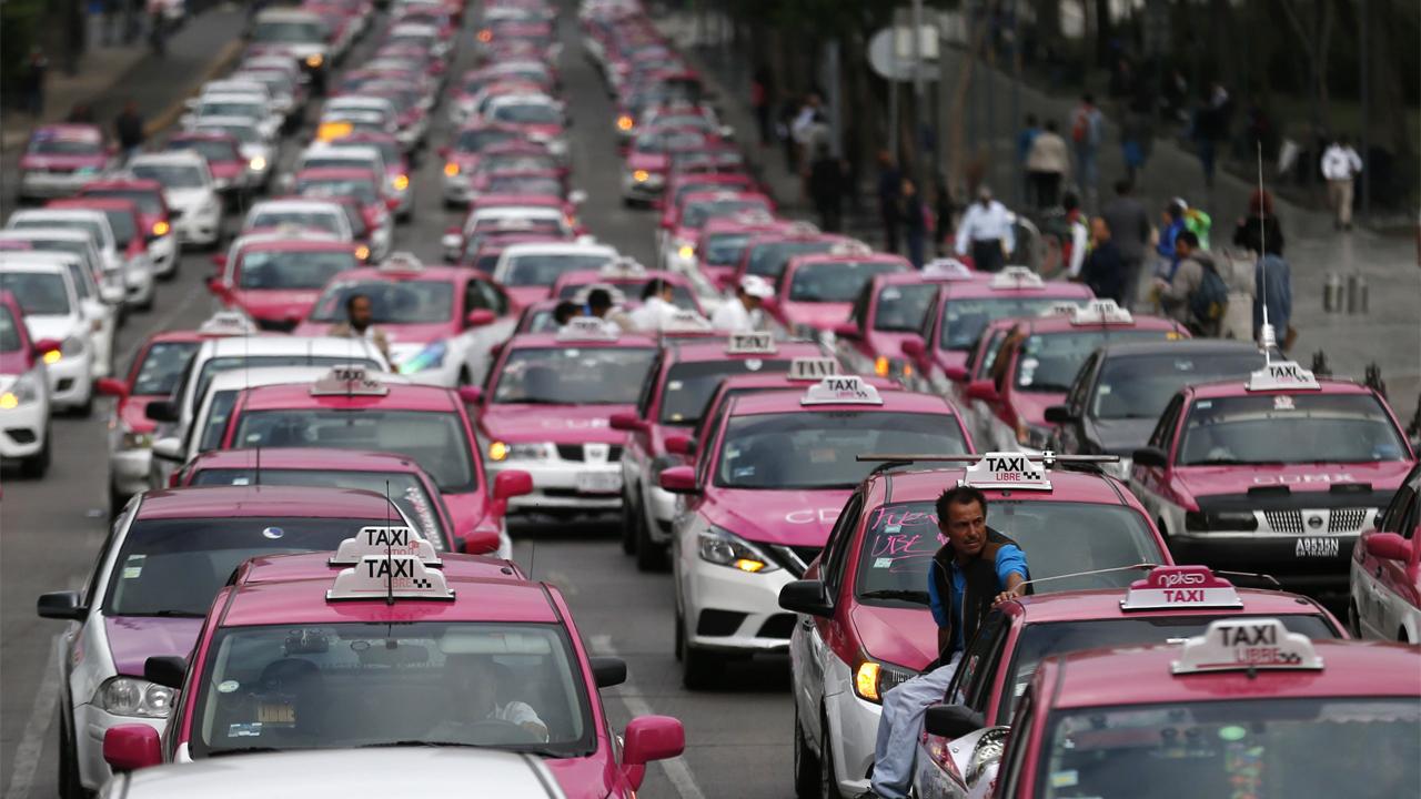 Gobierno capitalino apoyará a 6,000 taxistas para adquirir autos híbridos