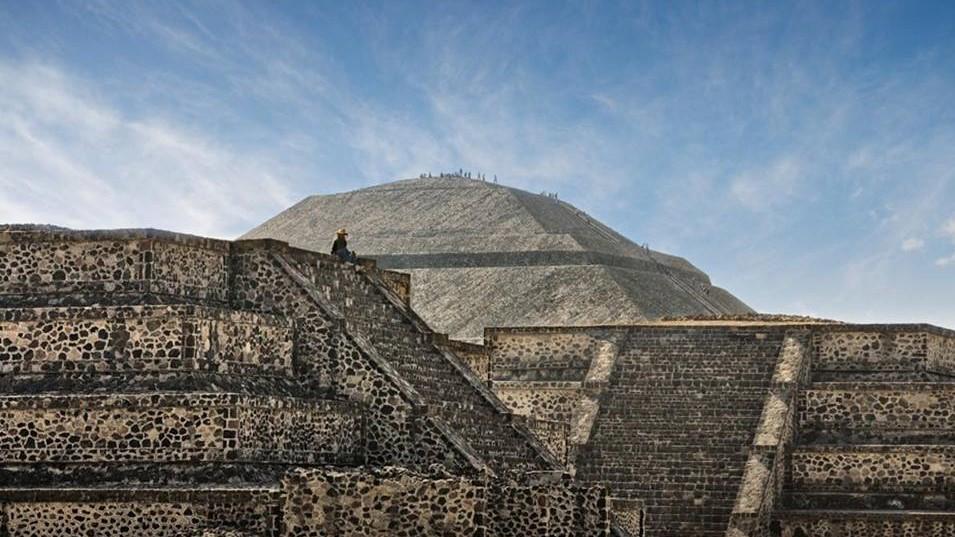 México pide a Francia cancelar subasta de piezas Olmecas y Mayas