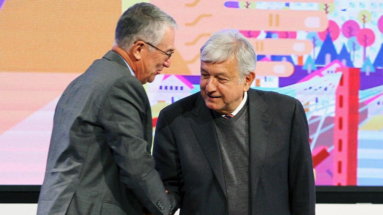 Empresarios redactan código de ética para combatir corrupción: AMLO