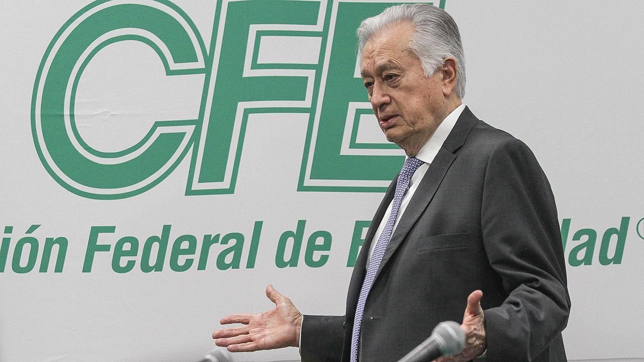 SFP inhabilita a empresa de hijo de Bartlett por 'irregularidades'