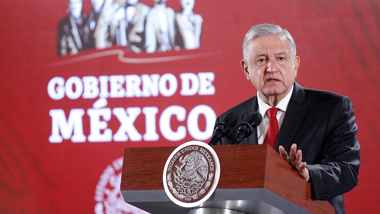 """Propone López Obrador a Trump """"congelar"""" tráfico de armas a México"""
