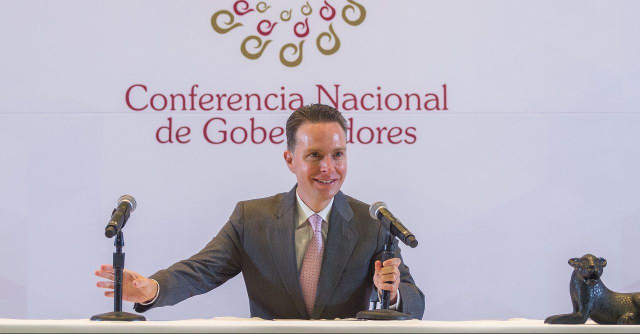 Manuel Velasco se reintegra a sus funciones en el Senado