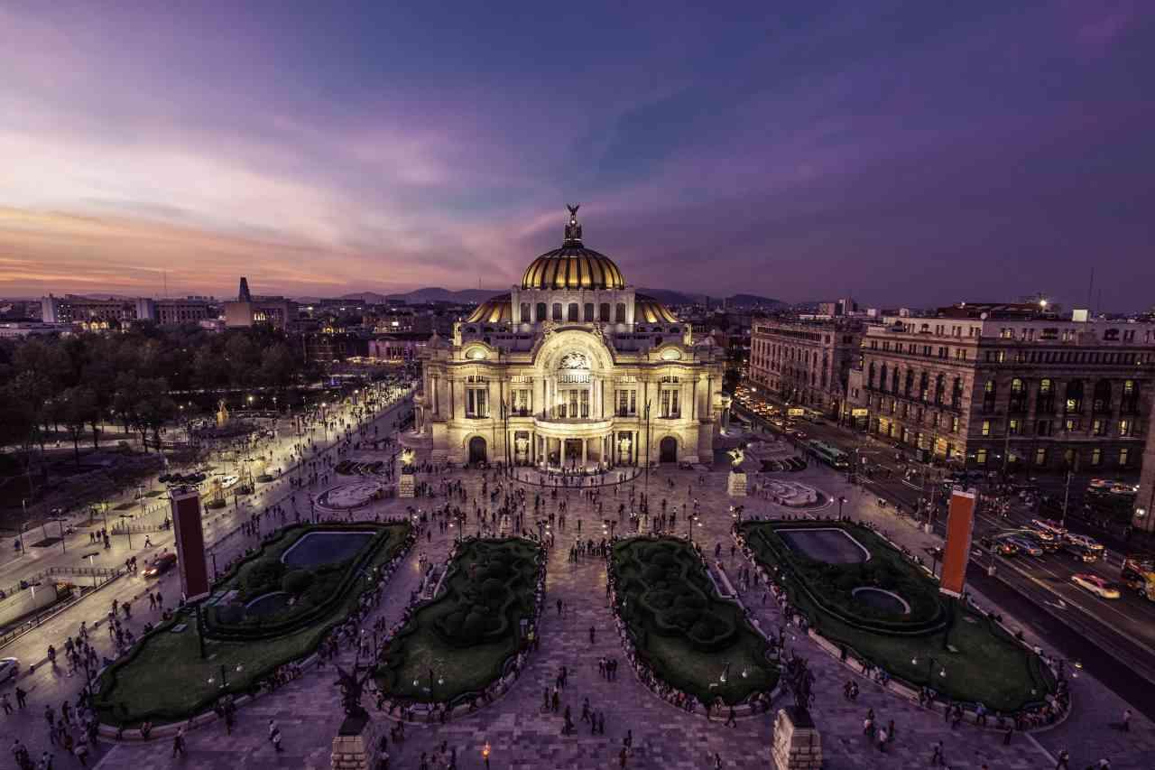 Casa Blanca sugiere que viajar a México es causa de contagios en EU