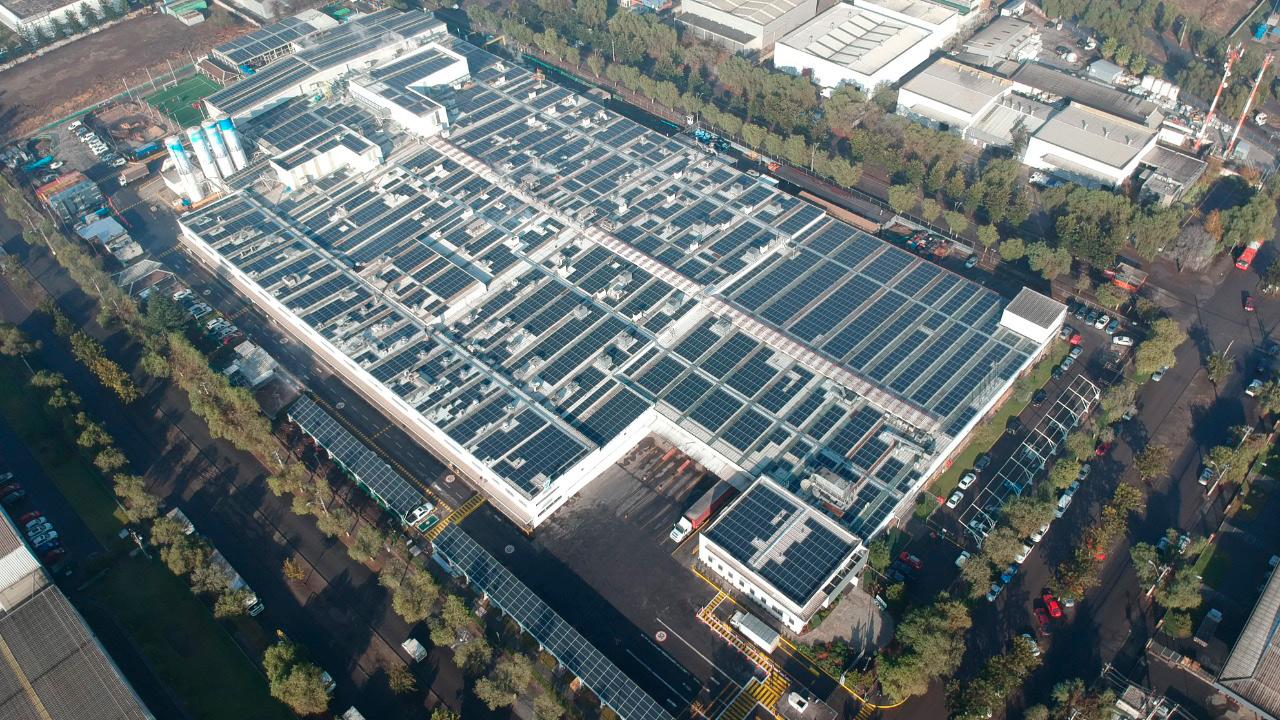 Grupo Bimbo inaugura el techo fotovoltaico más grande en Sudamérica
