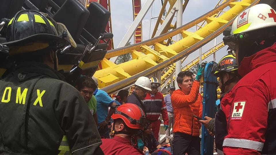Deja 2 muertos y 2 heridos accidente de juego mecánico en La Feria de Chapultepec